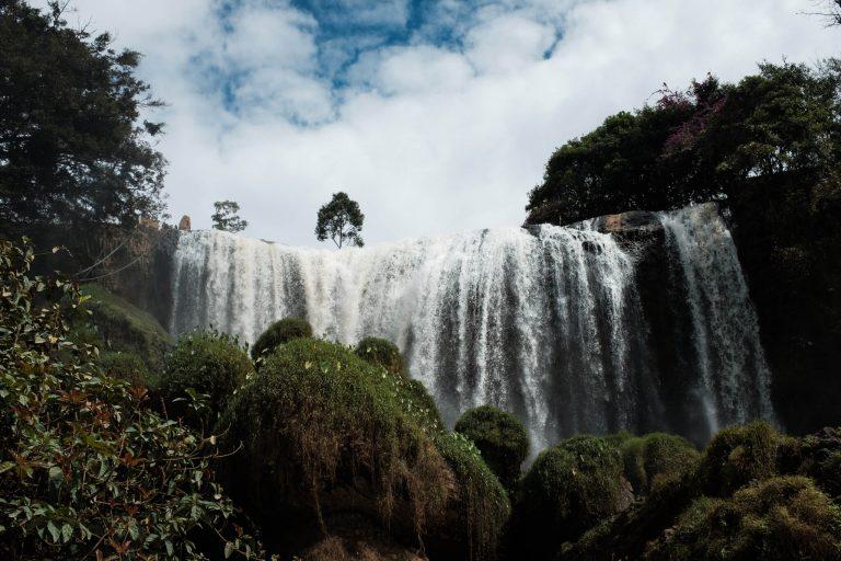 Krásný vodopád nedaleko Đà Lạtu...