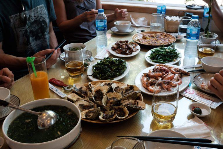 Přivítání v Hanoji nejlépe dobrým jídlem.